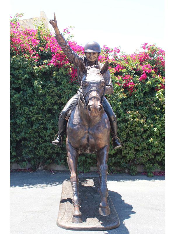 custom bronze statue of school mascot