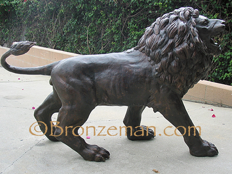 bronze statues of 2 lions
