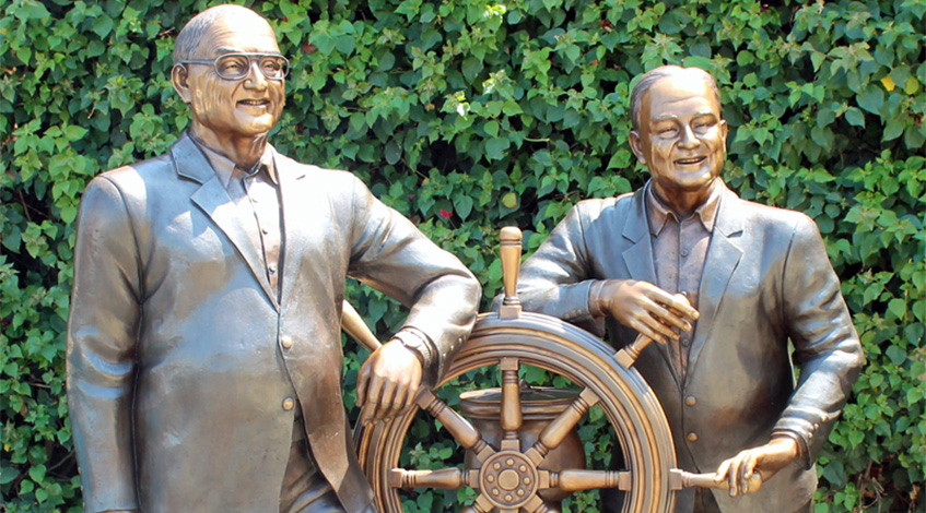 Capturing a Meaningful Story With Bronze Statues